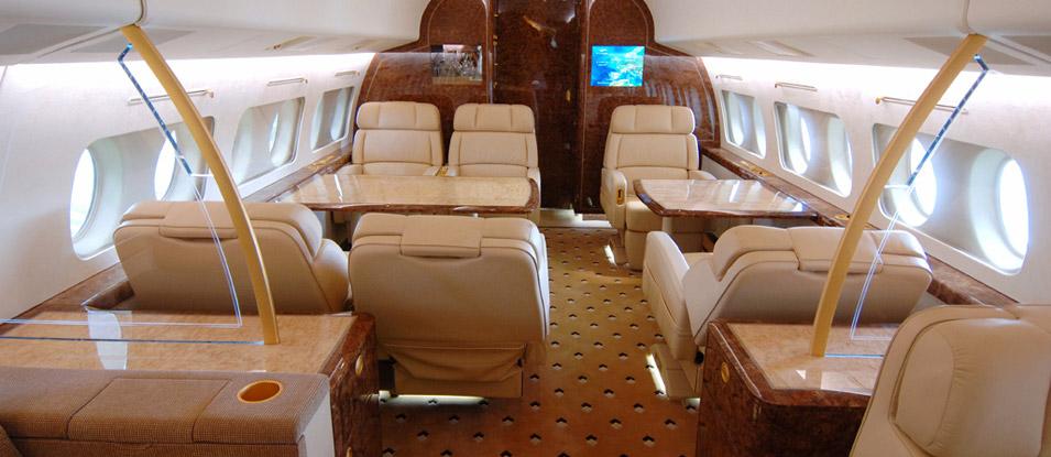 09-Fokker100-VIP_dining