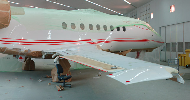P4-2-Falcon-2000_paint-shop