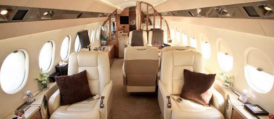 30-Falcon900B_F-GKHJ_interieur-cabine